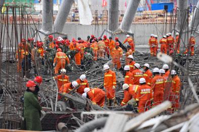 江西丰城电厂冷却塔施工平台倒塌