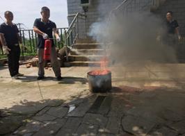 成都市雷竞技官方网站服务机构开展消防培训演练活动