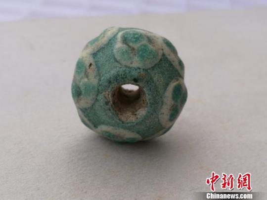 考古表明成都出土战国时期玻璃珠为中国先民自制